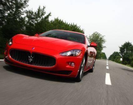 Maserati-GranTurismo-S-rouge